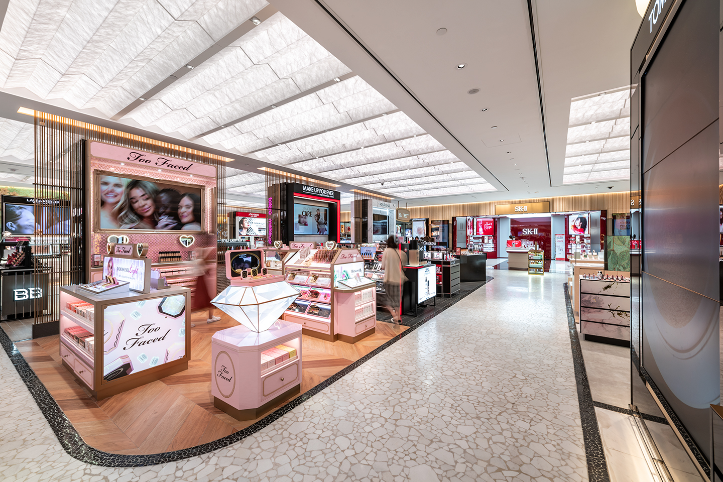 Jeffrey Hutchison & Associates: Projects: T Galleria by DFS